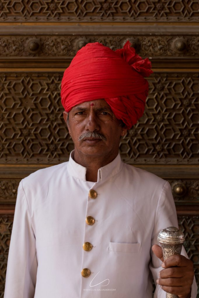 """The Red Guardian"" - Jaipur, India. 2018 © Luís Salvador"